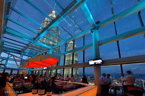 marinis-on-57-rooftop-bar-table.jpg